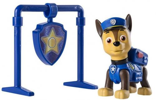 Figurina si insigna Paw Patrol – Pull Back Chase