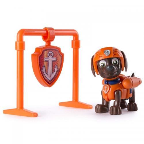 Figurina si insigna Paw Patrol - Pull Back Zuma - Figurine pentru copii -