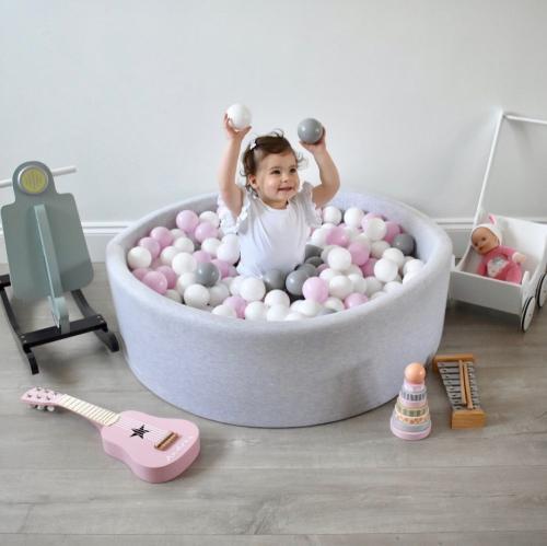 Piscina uscata cu 200 de bile 7 cm MeowBaby 90x30 cm Gri Deschis - Camera copilului - Centru de activitati
